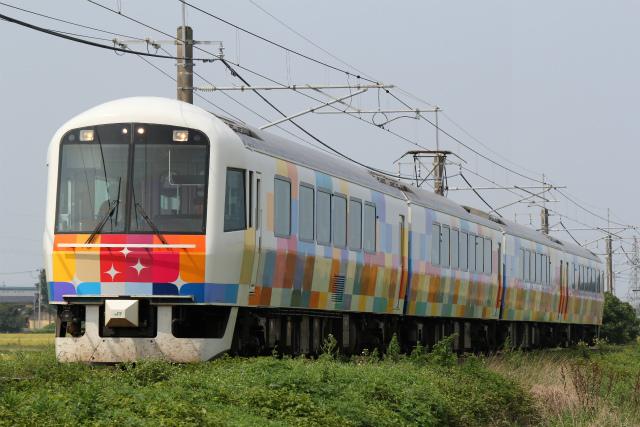 鉄道写真コレクション(272) JR東日本、485系改造の臨時快速「きらきらうえつ」