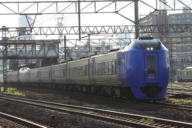 鉄道写真コレクション(281) JR北海道キハ281系、函館行の特急「スーパー北斗」