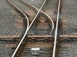 鉄道トリビア(43) ケーブルカーの分岐器は動かないが、脱線しない ...