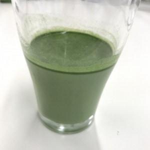 リッチグリーン 牛乳と混ぜる1