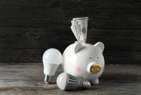 公共料金をクレジットカード払いすればお得!おすすめカードと注意点
