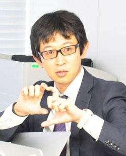 ティントリ 東氏