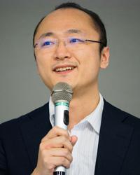 瀧 俊雄氏