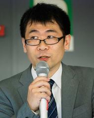 岡田 友輔氏