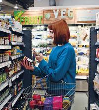 店舗従業員の業務を効率化して顧客満足度も高めるにはどうすればいいのか
