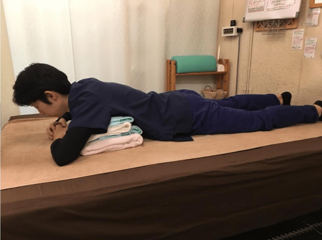 腰痛を悪化させてしまう寝方解説画像