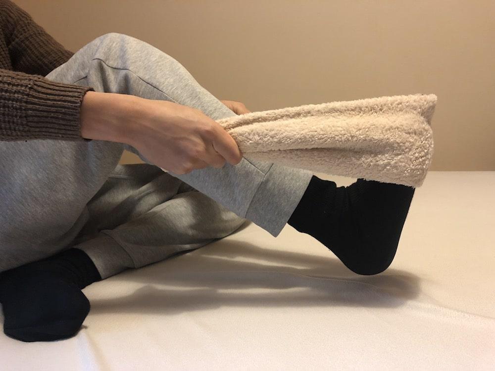 タオルを使った腰痛ストレッチ