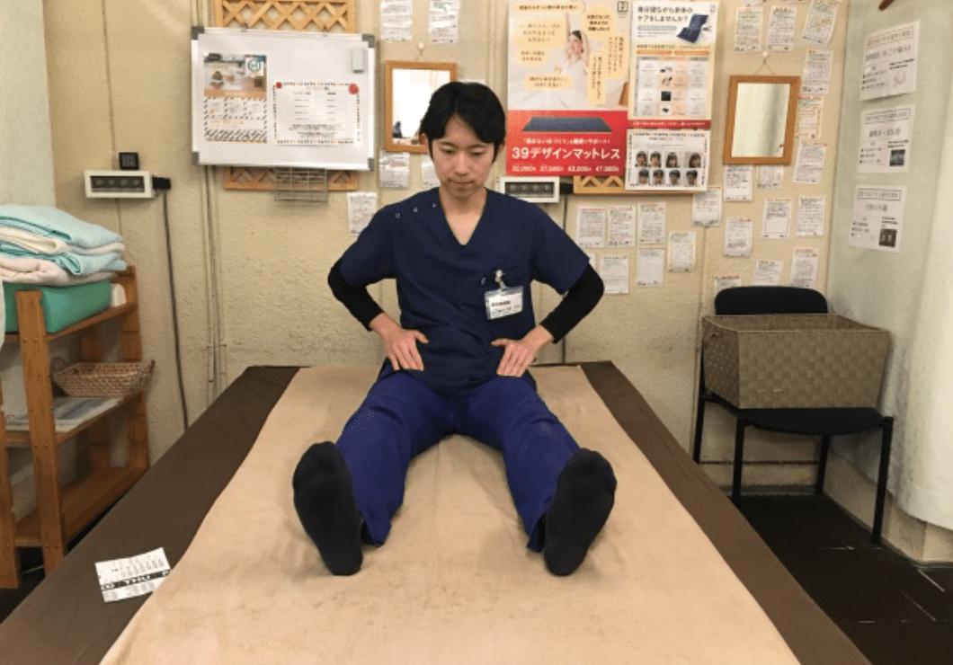 寝ながらできる腰痛ストレッチ(股関節ゆらゆら)