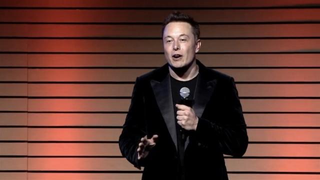 """""""交換""""で電気自動車のフルバッテリー化が90秒 - Tesla Motors"""