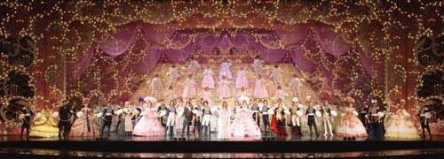 東京都・有楽町にて『宝塚歌劇100年展』- 舞台装置や衣装などを展示 ...
