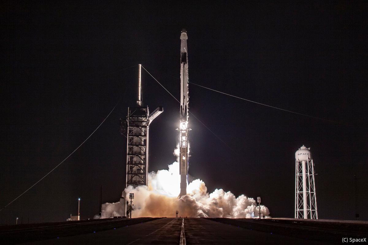 スペースX、新型宇宙船「クルー・ドラゴン」を打ち上げ - ISSとドッキング