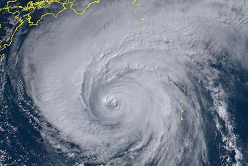 気象庁が「狩野川台風」に匹敵と厳重警戒呼びかけ 気象衛星