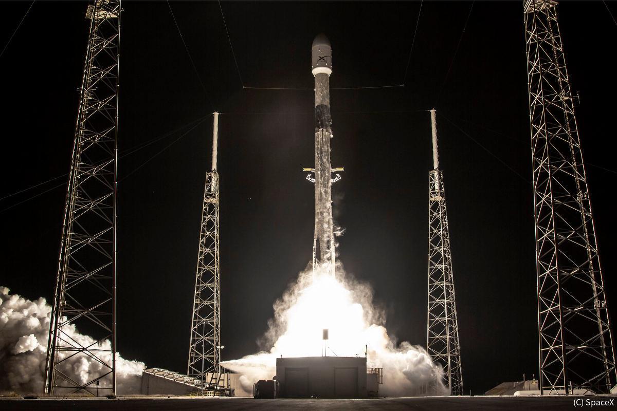 スペースX、「スターリンク」衛星60機を打ち上げ - 光害対策も実施