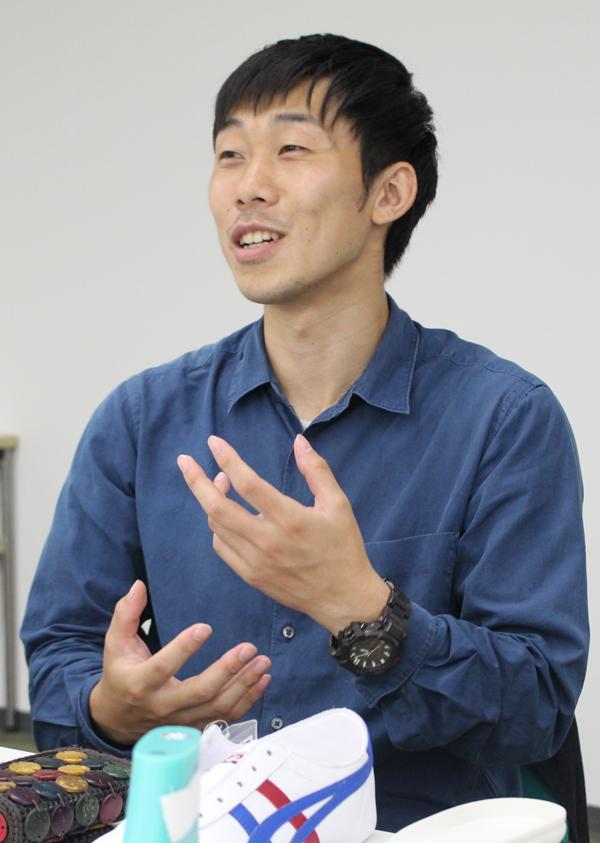 オニツカタイガー統括部 オニツカタイガープロダクト部 フットウェアデザイン・カラーチーム 松浦貴広氏